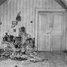 Ipatjeva namā boļševiki noslepkavo visu Krievijas cara Nikolaja II ģimeni